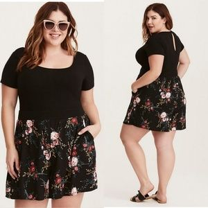 Floral knit romper with pockets - size 2 (18/20)